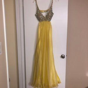 La Femme Embellished OpenBack Dress Yellow Size 0